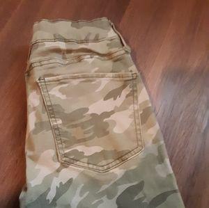 SO Pants & Jumpsuits - Sz. 5Camo low rise leggings
